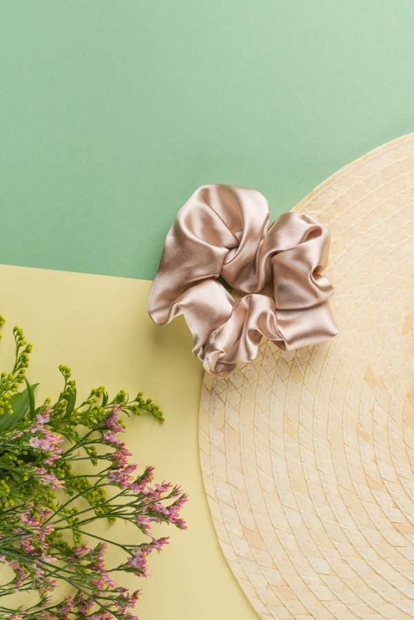 24 Colours Scrunchie beige satin 2