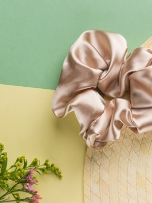 24 Colours Scrunchie beige satin