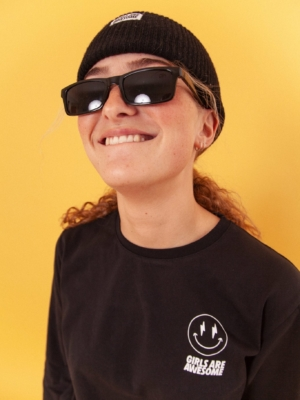 Girls Are Awesome AK Smiley Longsleeve Black