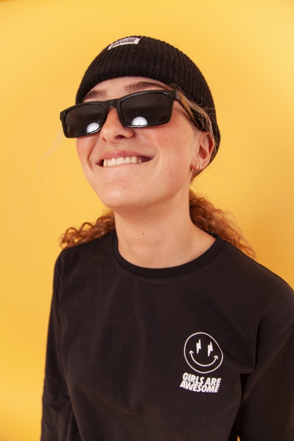 Girls are Awesome AK Smiley Longsleeve Schwarz