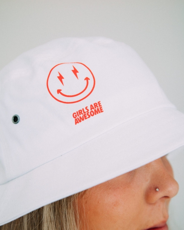 Girls are Awesome Bucket Hat AK Smiley weiss